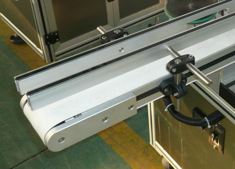 Регулируем по височина и ширина конвейер за етикетиране